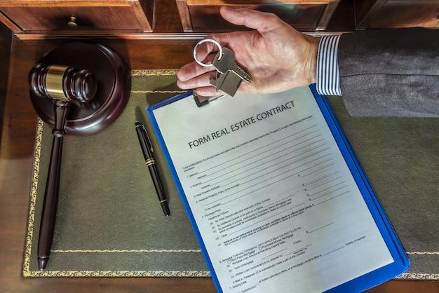 Formulário de compra e venda de amostra imobiliária da assinatura do contrato de compra ...