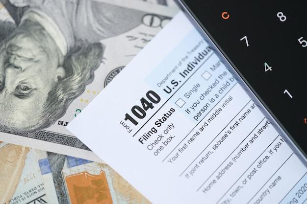 Formulário de declaração de imposto de renda federal dos eua conceito de formulário de declaração de imposto de renda individual