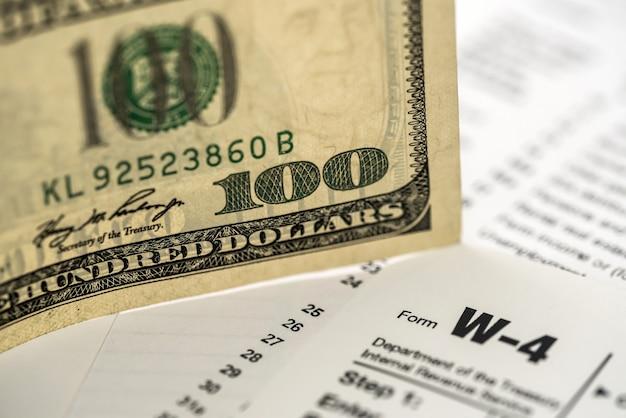 Formulário fiscal dos eua w4 w9 com dinheiro
