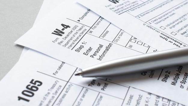 Formulário fiscal w-9 como um conceito de negócio com solicitação de tin