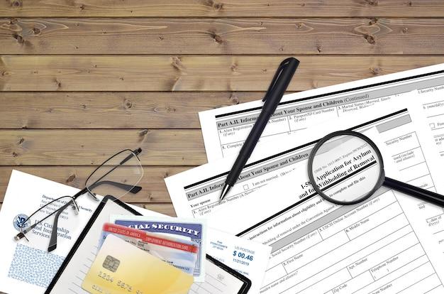 Formulário i-589 do uscis pedido de asilo e retenção na retirada