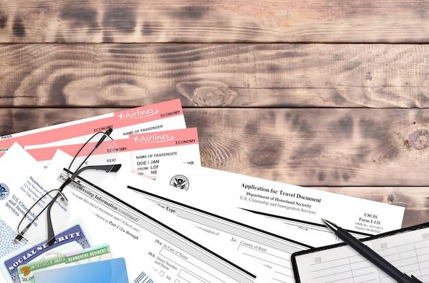 Formulário uscis i-131 pedido de documento de viagem