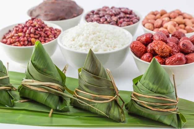 Fornecimento de molho de barco origem étnica celebração de comida
