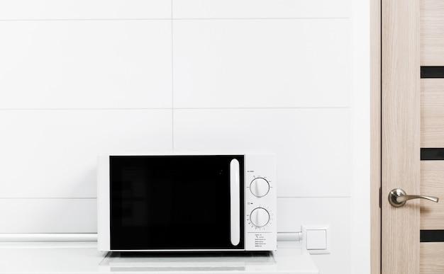 Forno de microondas branco