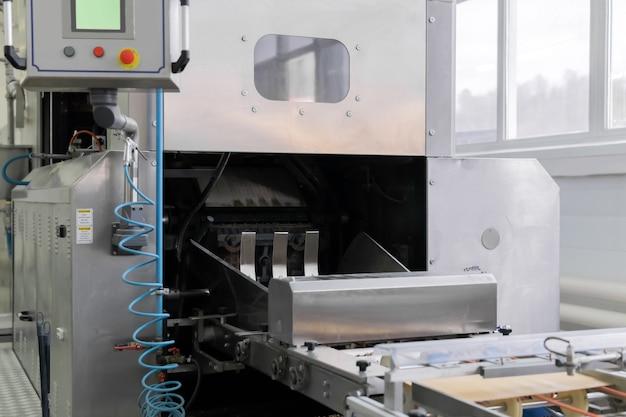 Forno de waffle industrial produzido folha de wafer recém-assada