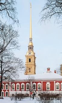 Fortaleza de pedro e paulo em são petersburgo no inverno