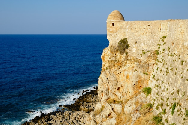 Fortaleza fortezza na cidade de rethymno, creta, grécia