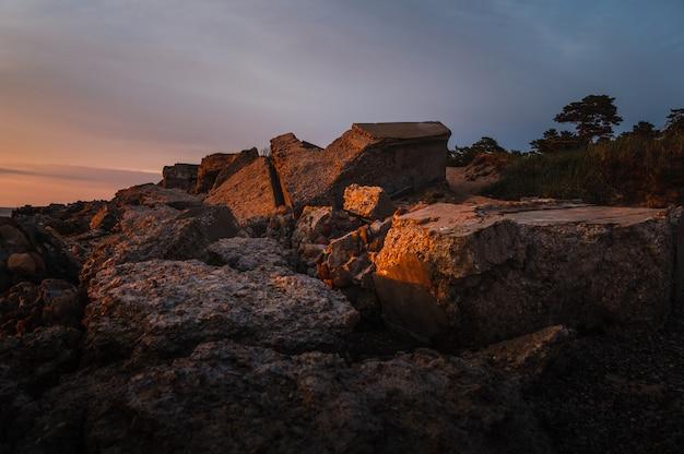 Fortes militares demolidos em liepaja, letônia