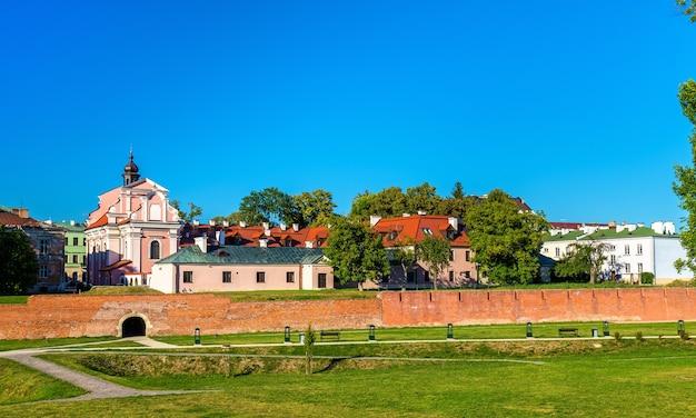 Fortificações ao redor da cidade velha de zamosc, na polônia