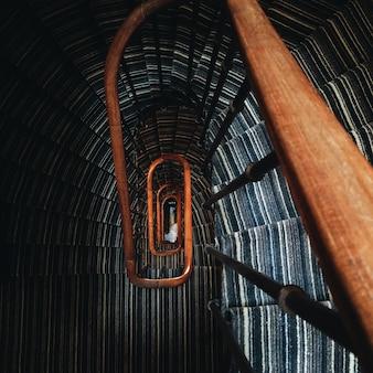 Foto aérea da escada em espiral