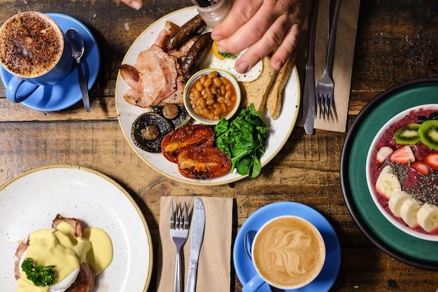 Foto aérea de café da manhã refeição e café
