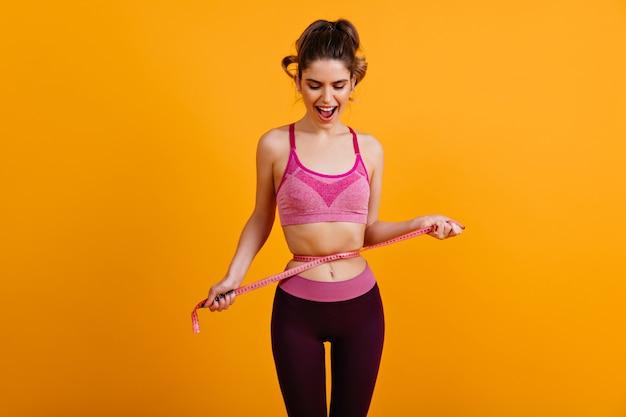 Foto de mulher fazendo dieta