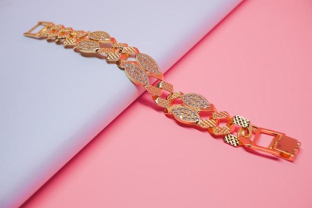 Foto de pulseira de ouro feminina iraniana