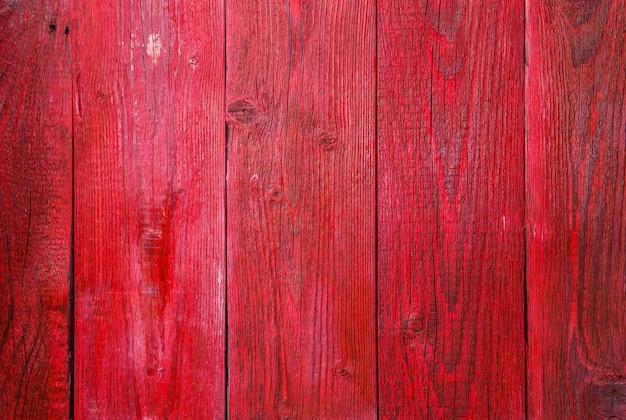 Foto de textura de madeira vermelha, placa verticalmente