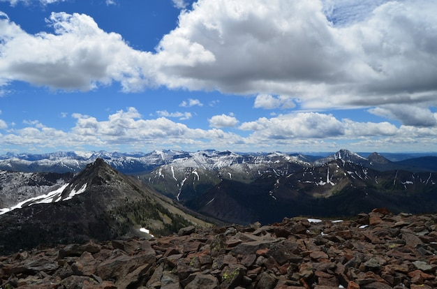 Foto de tirar o fôlego do pico da avalanche