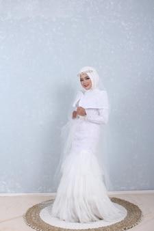 Foto de vestido de noiva muçulmano branco