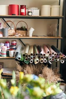 Foto do espaço da cópia na loja de flores. loja de flores de estilo de vida. negócio de flores da família.