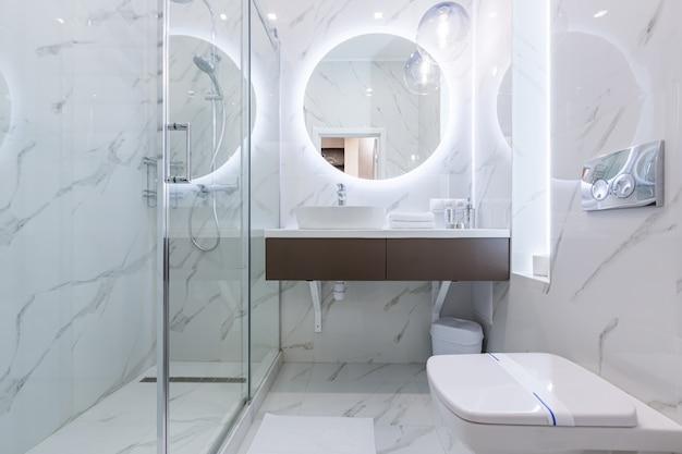 Foto do interior, hall de um lindo apartamento