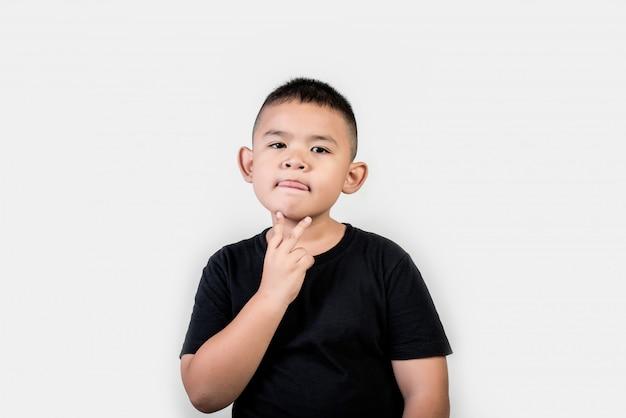 Foto engraçada do estúdio do menino do retrato