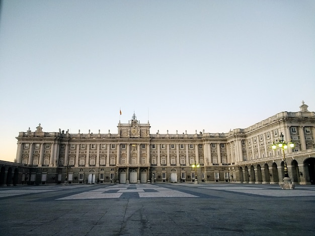 Foto grande angular do west park em madrid, espanha durante o dia