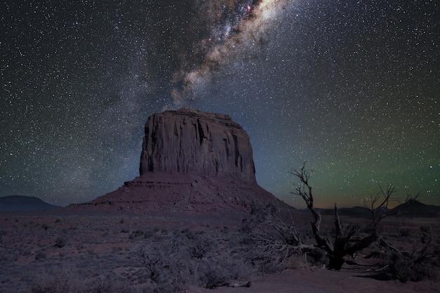 Foto incrível do vale do monumento de oljato em utah, eua