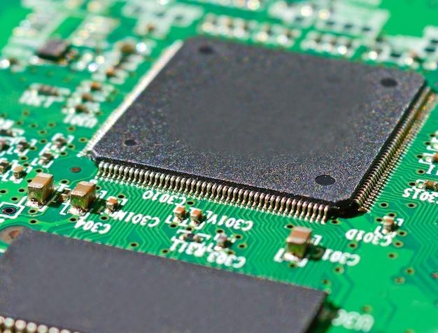 Foto macro de um chip e chip