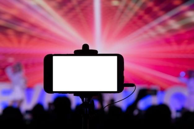 Fotografar com smartphone em concerto