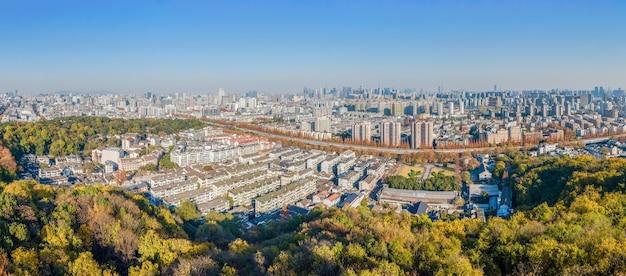 Fotografia aérea da área cênica da arquitetura antiga do pavilhão chenghuang da cidade velha de hangzhou