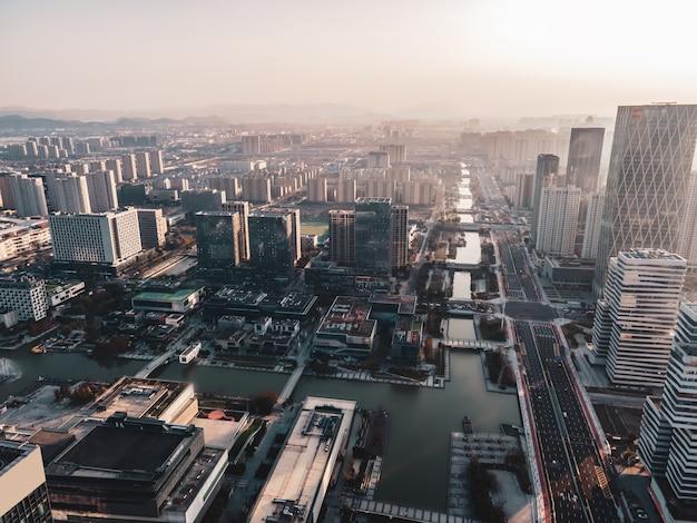 Fotografia aérea da paisagem arquitetônica do distrito financeiro de ningbo
