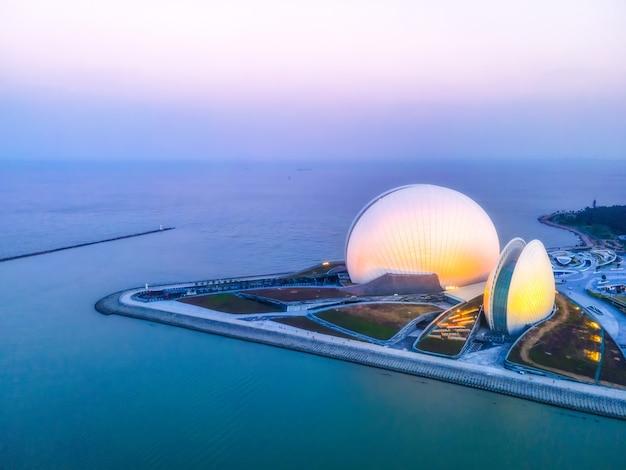 Fotografia aérea da paisagem arquitetônica urbana moderna em zhuhai, china Foto Premium
