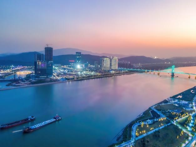Fotografia aérea da paisagem arquitetônica urbana moderna em zhuhai, china