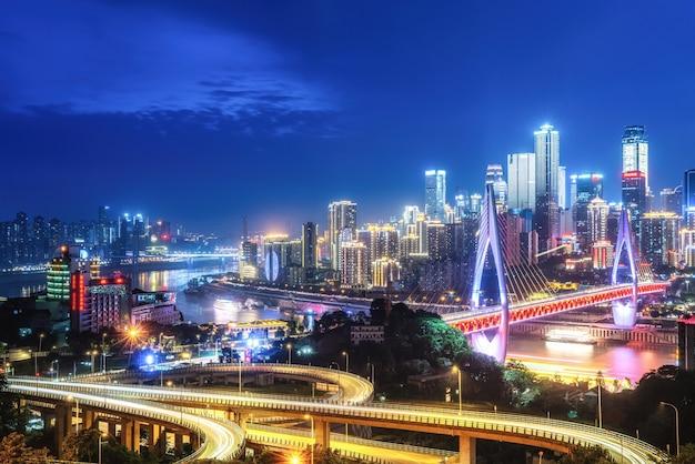 Fotografia aérea da visão noturna das cidades de sichuan e chongqing