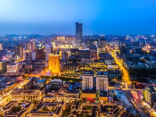 Fotografia aérea de xuzhou, jiangsu, paisagem arquitetônica urbana, visão noturna do horizonte