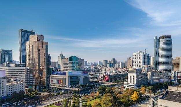 Fotografia aérea do horizonte da paisagem da arquitetura da cidade de ningbo