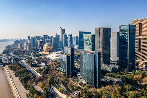 Fotografia aérea do horizonte de uma paisagem arquitetônica urbana moderna em hangzhou, china