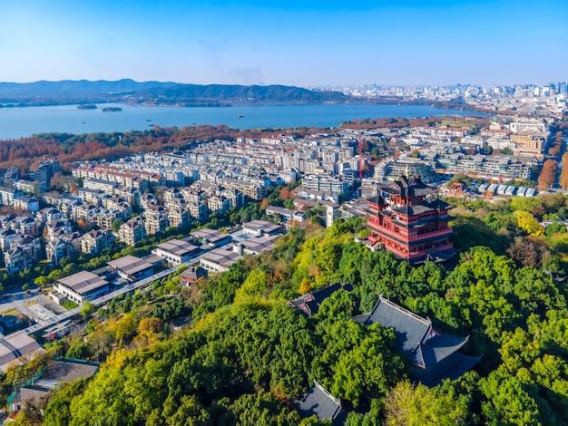 Fotografia aérea do lago oeste em hangzhou