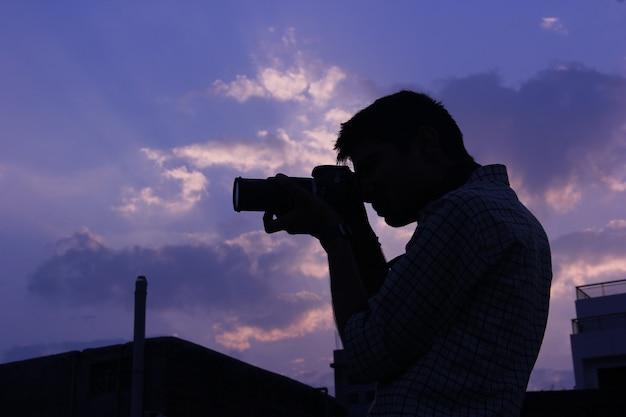 Fotógrafo com camera