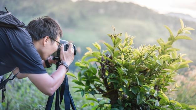 Fotógrafo com vista natural