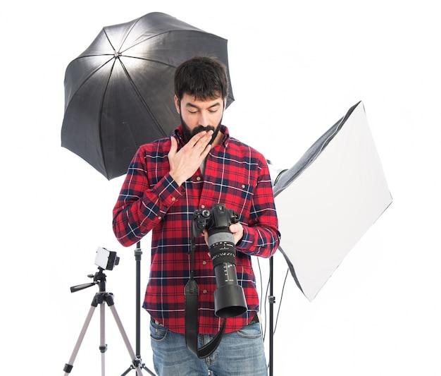 Fotógrafo fazendo gesto de surpresa