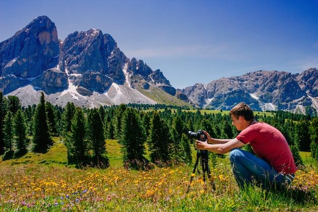 Fotógrafo nos alpes
