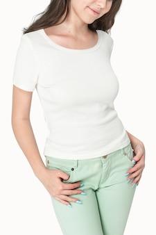 Fotos de garota com camiseta branca para jovens