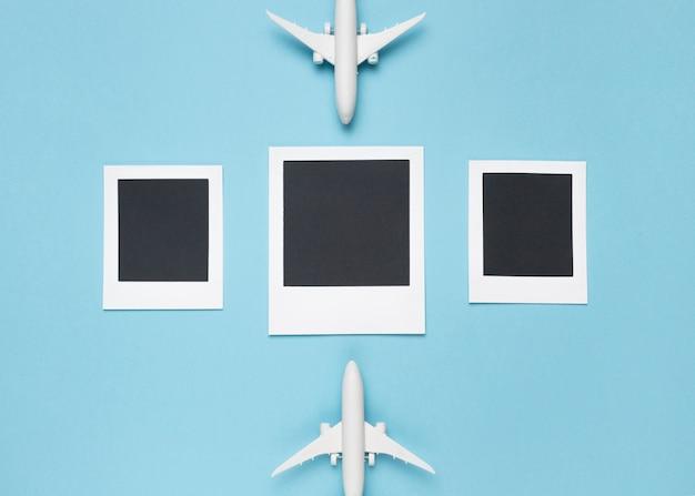 Fotos em branco com aviões de brinquedo