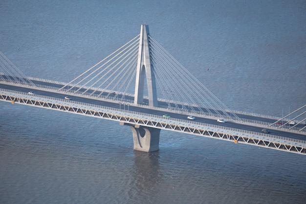 Fragmento de ponte moderna