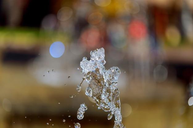 Fragmento de uma cachoeira gotas de fonte