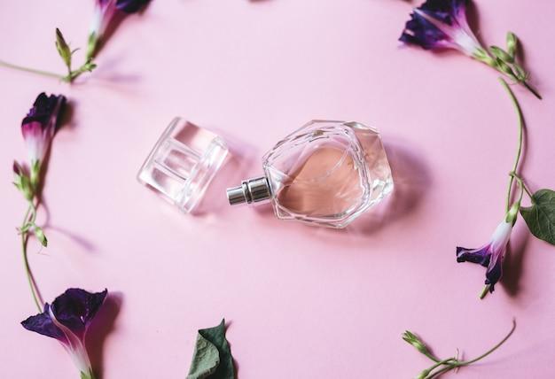 Fragrância para senhoras e flores violetas