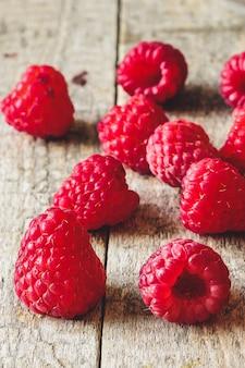 Framboesas vermelhas frescas
