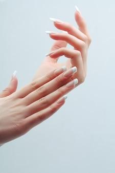 Francês manicure unhas