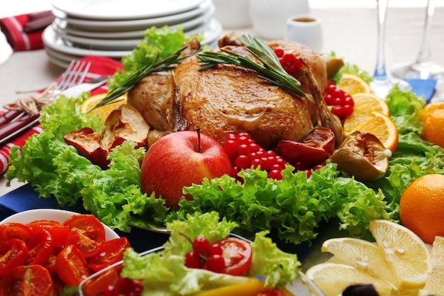 Frango assado para jantar festivo