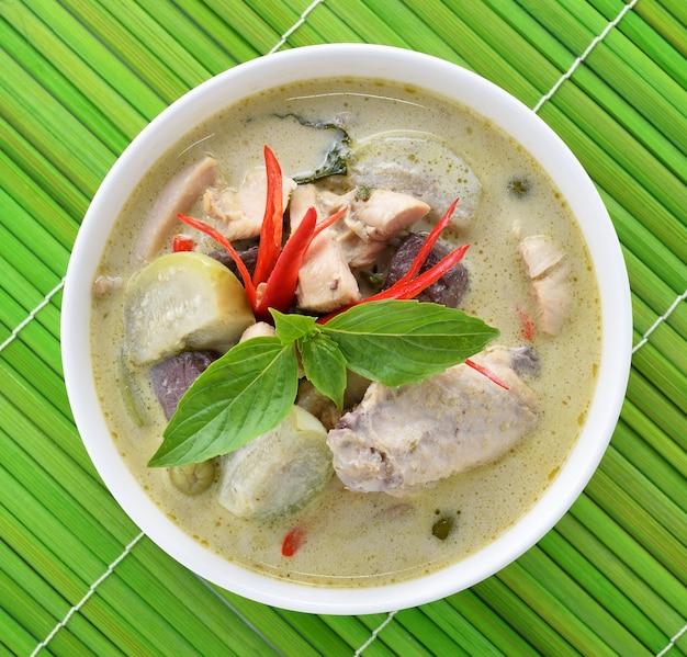 Frango curry verde, cozinha tailandesa