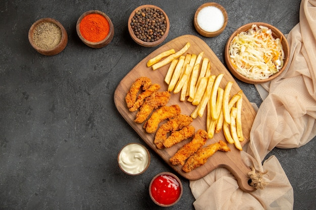 Frango frito com batata frita